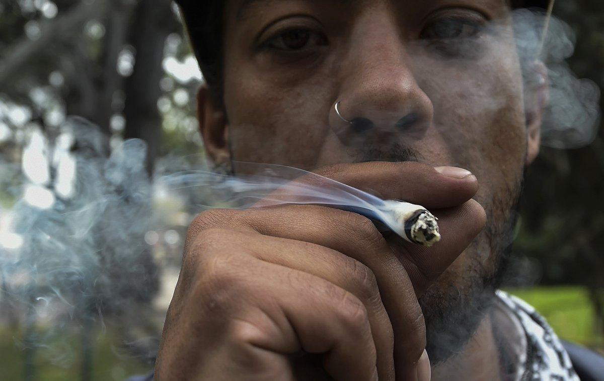 Курение марихуаны во франции марихуана и время приключение