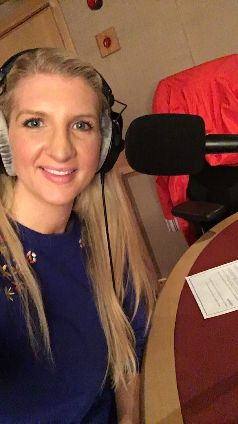 Radio day! In studio talking all about @LovePork research that reveals brits are lazy cooks! #letsgetcooking https://t.co/qKXIIrRdzD