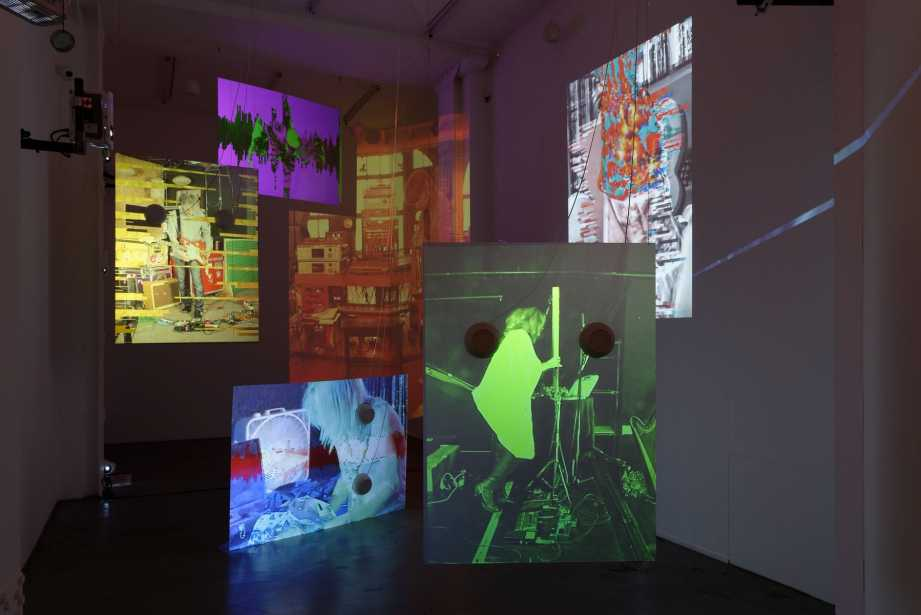 Tony Oursler's 'Sound Digressions: Spectrum' at Galerie Mitterrand, Paris  http:// enfr.blouinartinfo.com/news/story/256 5091/tony-ourslers-sound-digressions-spectrum-at-galerie  …  #TonyOursler #GalerieMitterrand #Paris<br>http://pic.twitter.com/mFZMs9rFbH