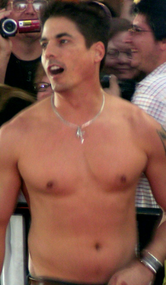 And we&#39;ll look forward to seeing @Bryan_Dattilo #shirtless again @CityWalkLA #DayOfDays, more #Days cast and fans #shenanigans please! <br>http://pic.twitter.com/wr5TEXIQhk