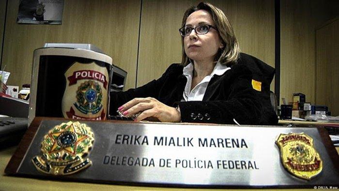 Delegada que deu nome à Lava Jato foi responsável pela prisão que levou ao suicídio reitor de Santa Catarina https://t.co/DvdjtiEqBi