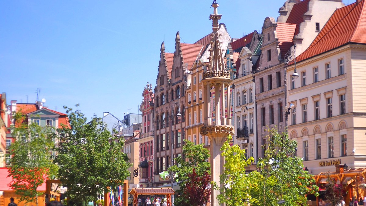 wroclaw divorced singles Approaching divorce the split might not be as painless and amicable as initially hoped stakes are high as the future of the eu single market and its four freedoms (free movement of goods, capital.