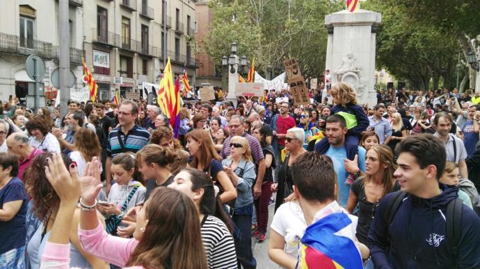 8.000 persones es manifesten al centre de Figueres https://t.co/rs6P0p969m https://t.co/15DJVNHvom