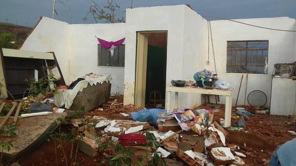 Desabamento de casa em Congonhas deixa bebê, criança e idosa feridos https://t.co/e7sUnhvuFC