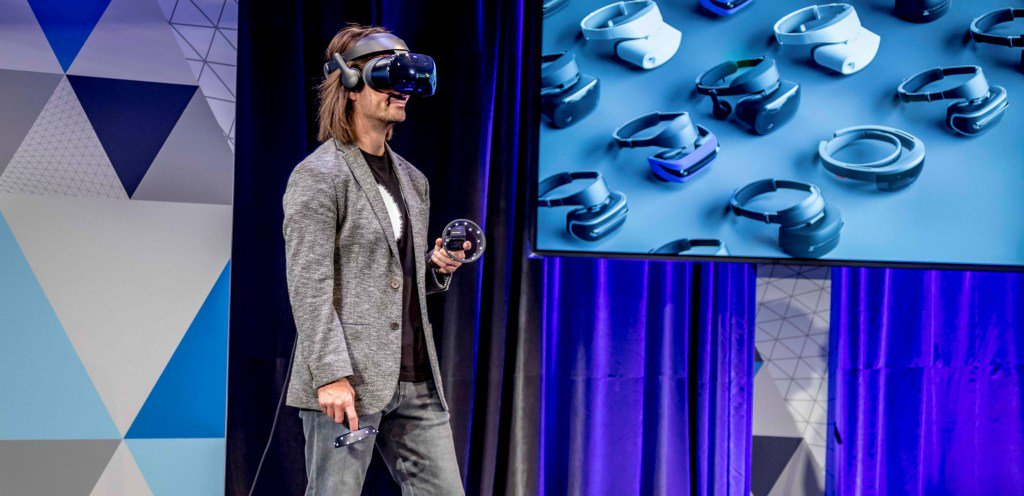 Just announced: The era of @Windows Mixed Reality begins October 17 https://t.co/z1o2mYIYNu https://t.co/whEFjpReHi