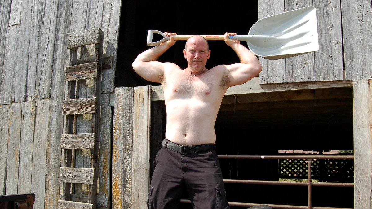 My Louisiana ranch buddy from  http:// GlobalFight.com  &nbsp;   #louisiana #ranch #muscle #man #boy #farm #barn #working #noshirt #hairychest #hunks<br>http://pic.twitter.com/B0ZRDgqm0d