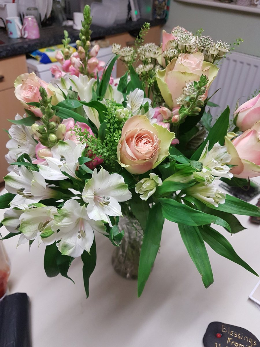 Fiona Kouble On Twitter Beautiful Flowers Delivered On My Dads