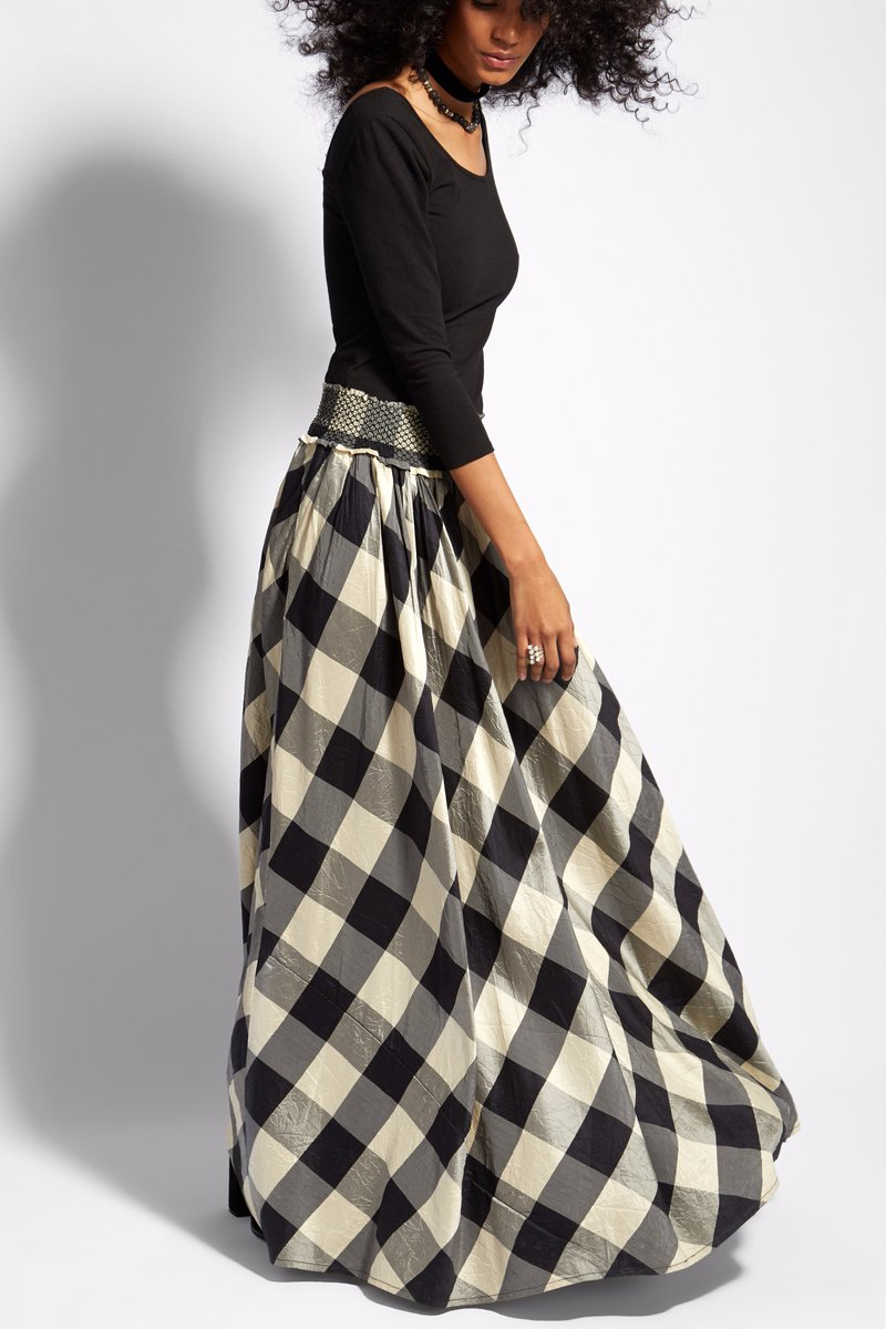 Exude a causal chic fall look in the beautiful silk Poukai skirt. Shop Now: https://t.co/iDJtoIj85R https://t.co/2dM0QPgFy9