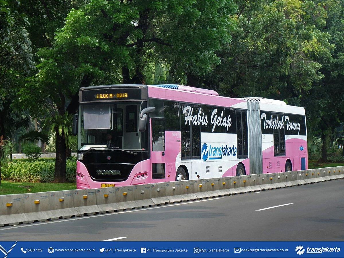 Bat Bus 12 >> Transportasi Jakarta Twitterren Pada 21 April 2016