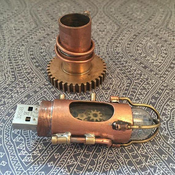 #Geek Awesome of the Day: Handmade #Steampunk Metal #Clockwork 32GB Memory Flash Drive by @SteamPunkbyBen #SamaGeek