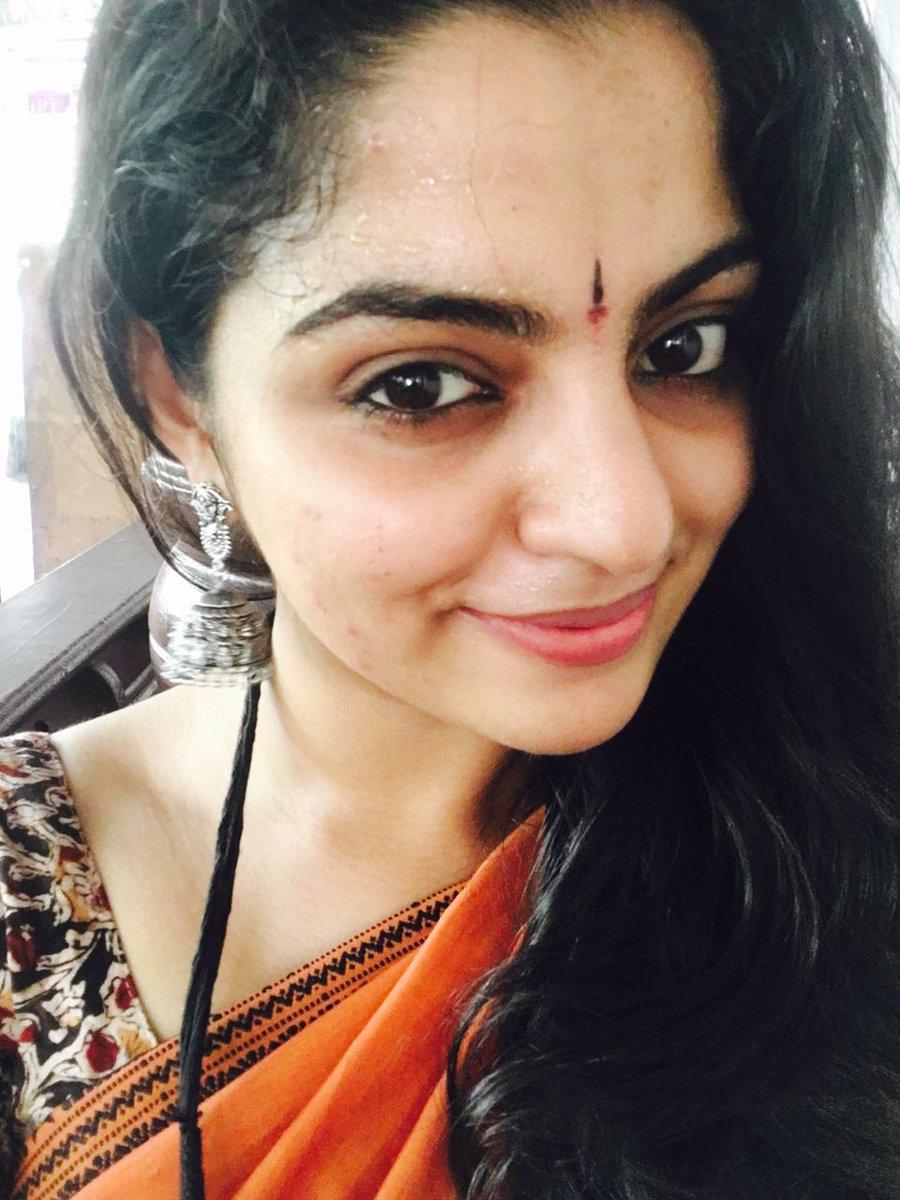 Nikhila Vimal gets a Biggie