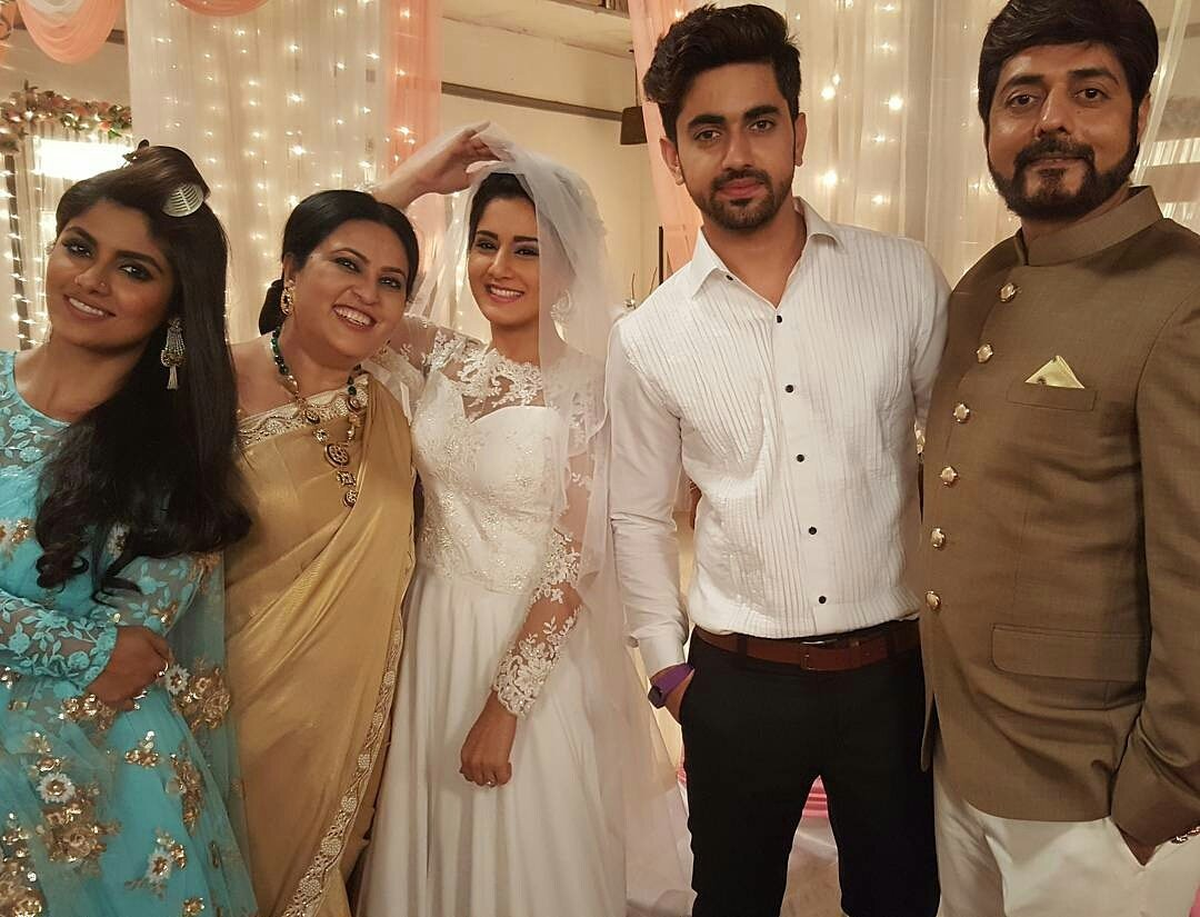 Adiri Rathore aka Avni dressed as a Christian bride in a white gown - off screen pictures, images with co star Zain Imam aka Neil - Naamkaran, hd, pics