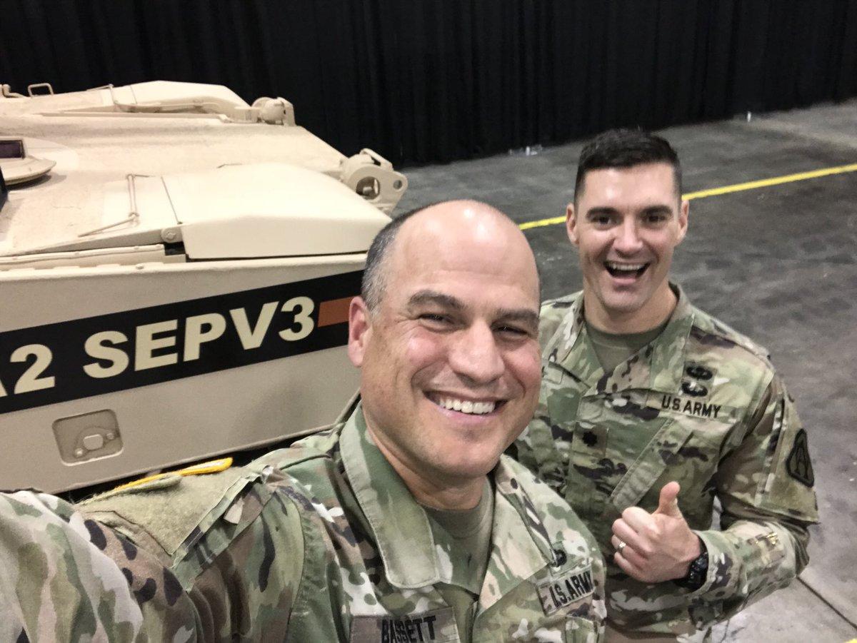 المباشره بالانتاج الكمي لدبابات Abrams M1A2 SEPv3 الامريكيه  DLThu-4UQAEoPpX
