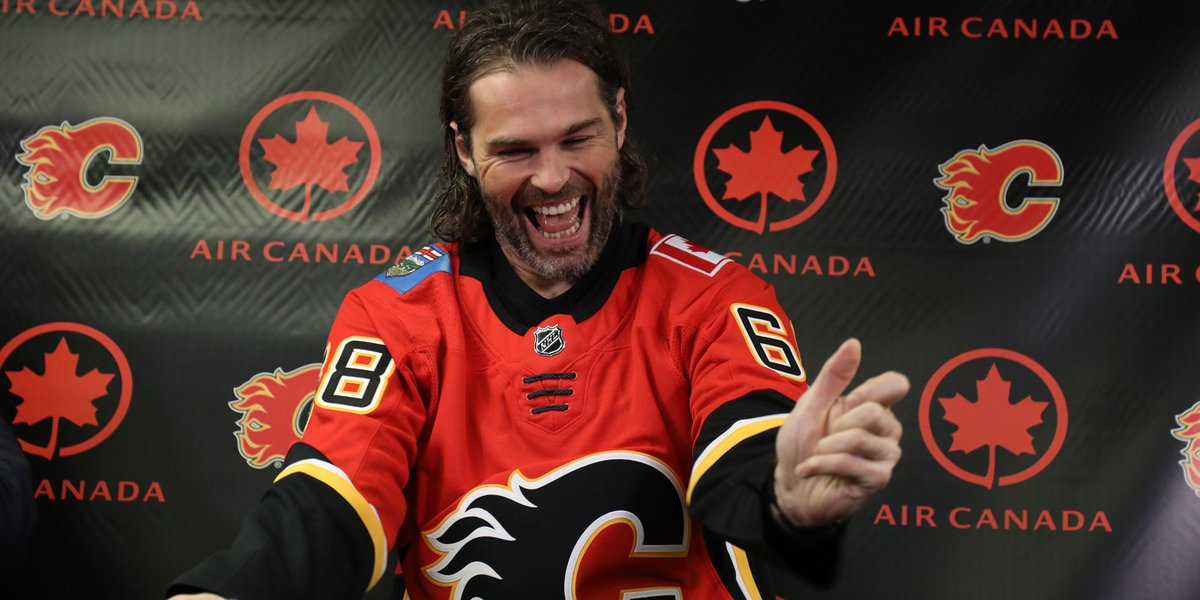 Welcome to the #CofRed, @68Jagr 🔥