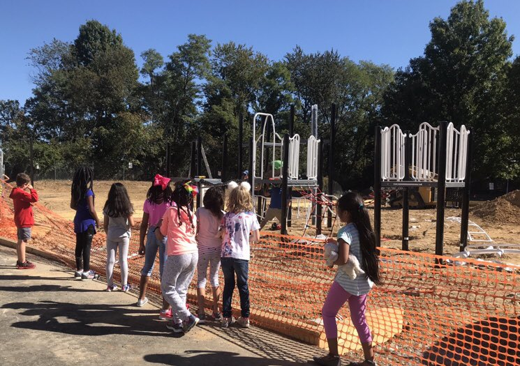 <a target='_blank' href='http://twitter.com/AbingdonGIFT'>@AbingdonGIFT</a> so much fun watching the playground as it gets put together! <a target='_blank' href='https://t.co/XyGGjGIs5j'>https://t.co/XyGGjGIs5j</a>