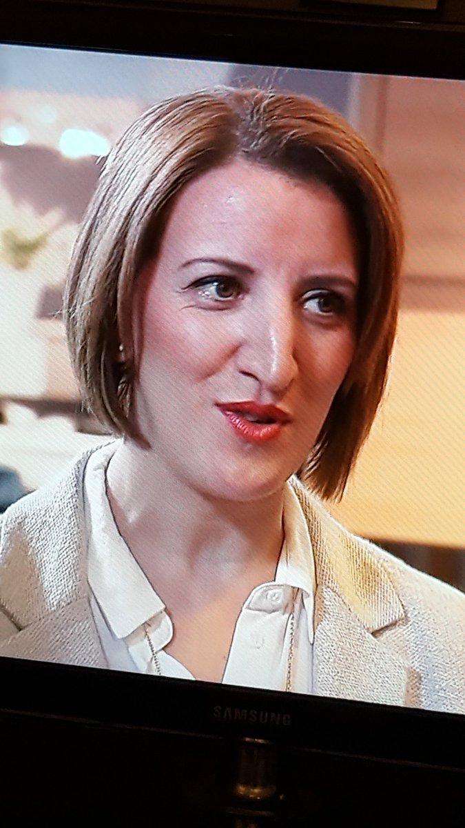 Que fait Scully dans #MonInventionVautDeLOr ? <br>http://pic.twitter.com/arbImrnQdp
