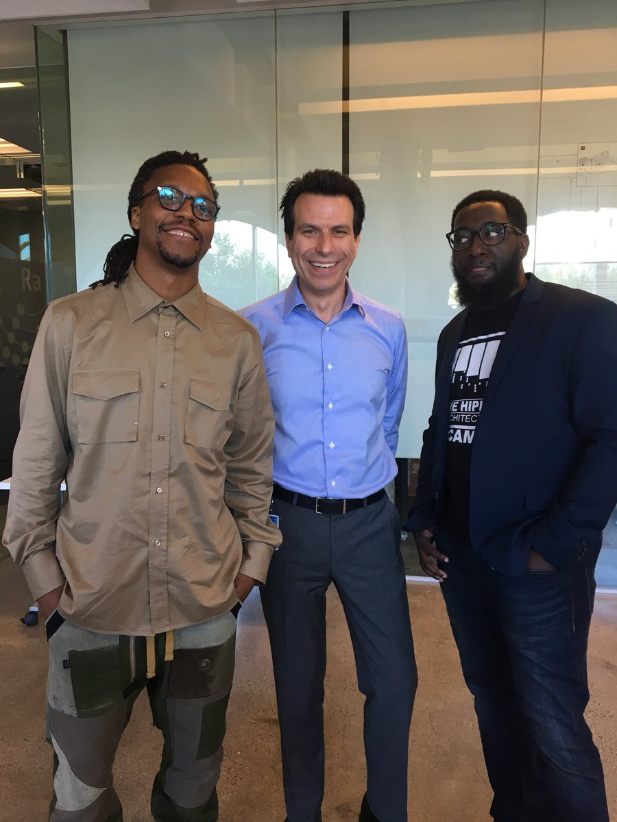 Andrew anagnost on twitter thats lupe fiasco to my right hes a he came to the autodesk gallery to learn what we do i just happened to walk by and look epically uncool lupefiascopicittergk7jjjbft2 m4hsunfo