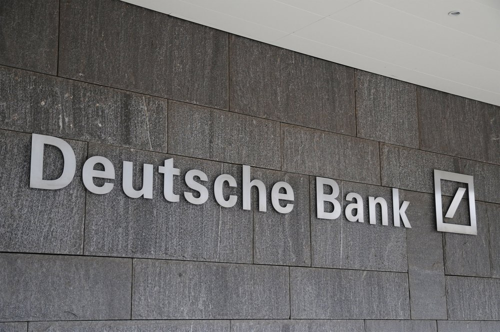 #Deutsche Bank #CEO Says #Bankers and Accountants Are Not Safe From #Automation  https:// buff.ly/2gdj2lD  &nbsp;   via @themerklenews #robotics #Al<br>http://pic.twitter.com/KAi3y11YMI