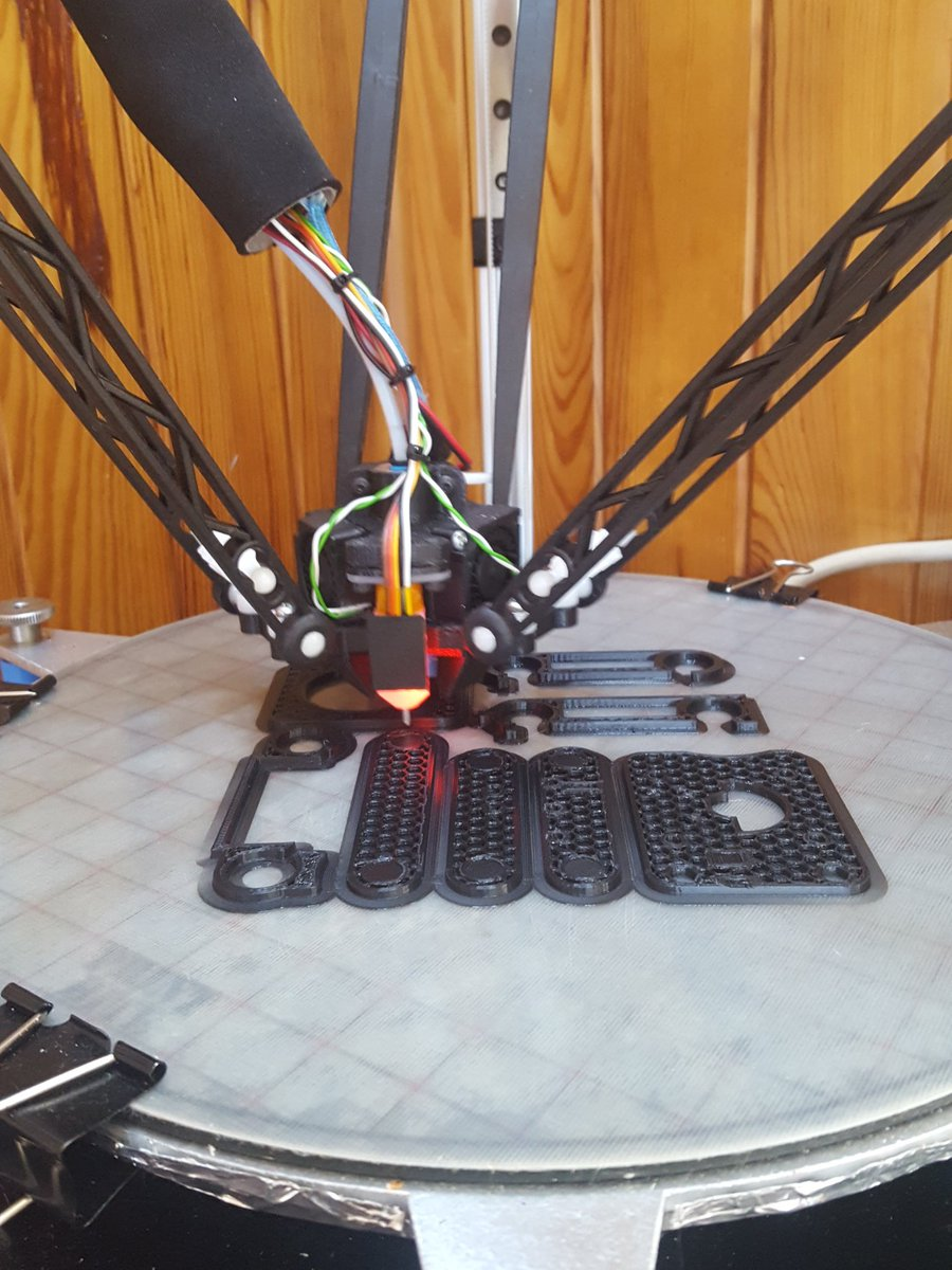 The #adoptabot has begun @printrbot let's see how it turns out  ...
