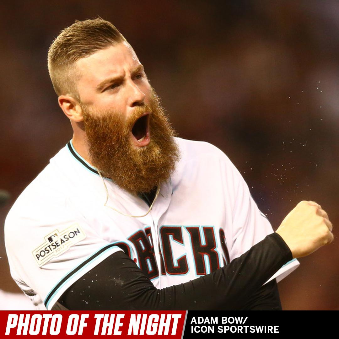 When you're the first reliever to hit a triple in the postseason since, uh, Babe Ruth. #PhotoOfTheNight https://t.co/PWA47g9VVm