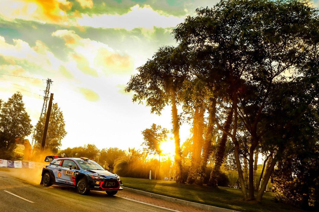 RallyRACC Catalunya - Costa Daurada 2017 DLYLdJgVwAIC8dG