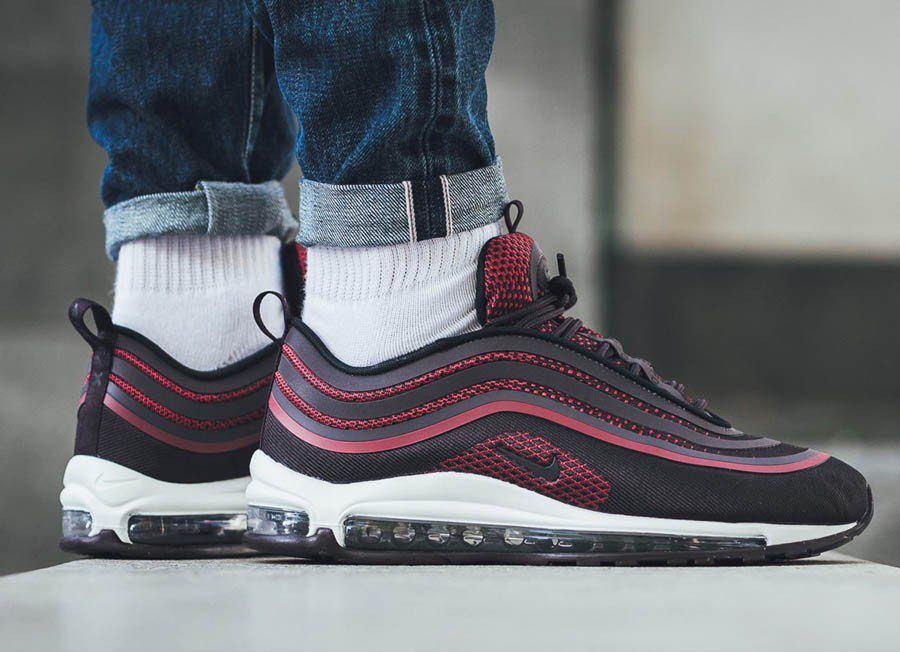 Anyone cop these  https   thesolesupplier.co.uk release-dates nike air-max- 97 nike-air-max-97-ultra-17-noble-red-918356-600   …pic.twitter.com 4U3Wx0aVO5 1505c000a