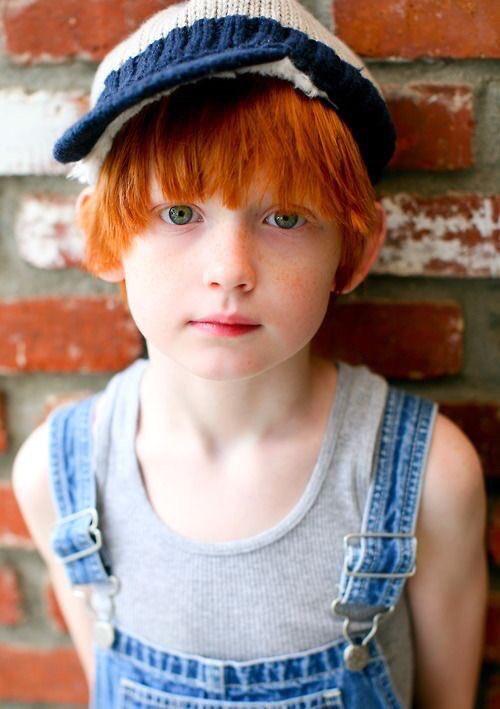 赤毛にエメラルドグリーンの瞳の美しさよ……