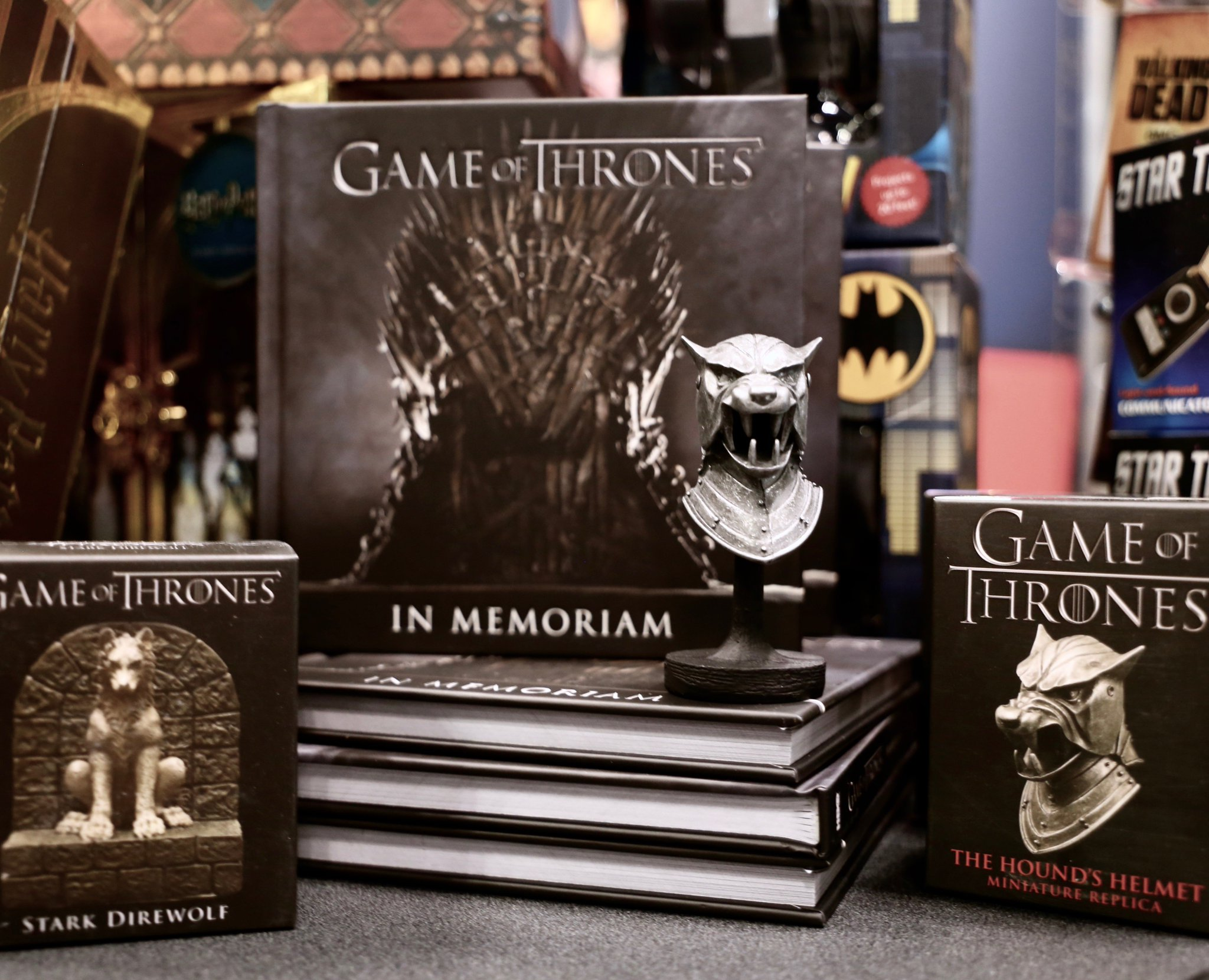 Send a raven.  Head to @Running_Press at #NYCC booth #2218 for exclusive #GameofThrones collectibles. https://t.co/uoqZWuGNg6