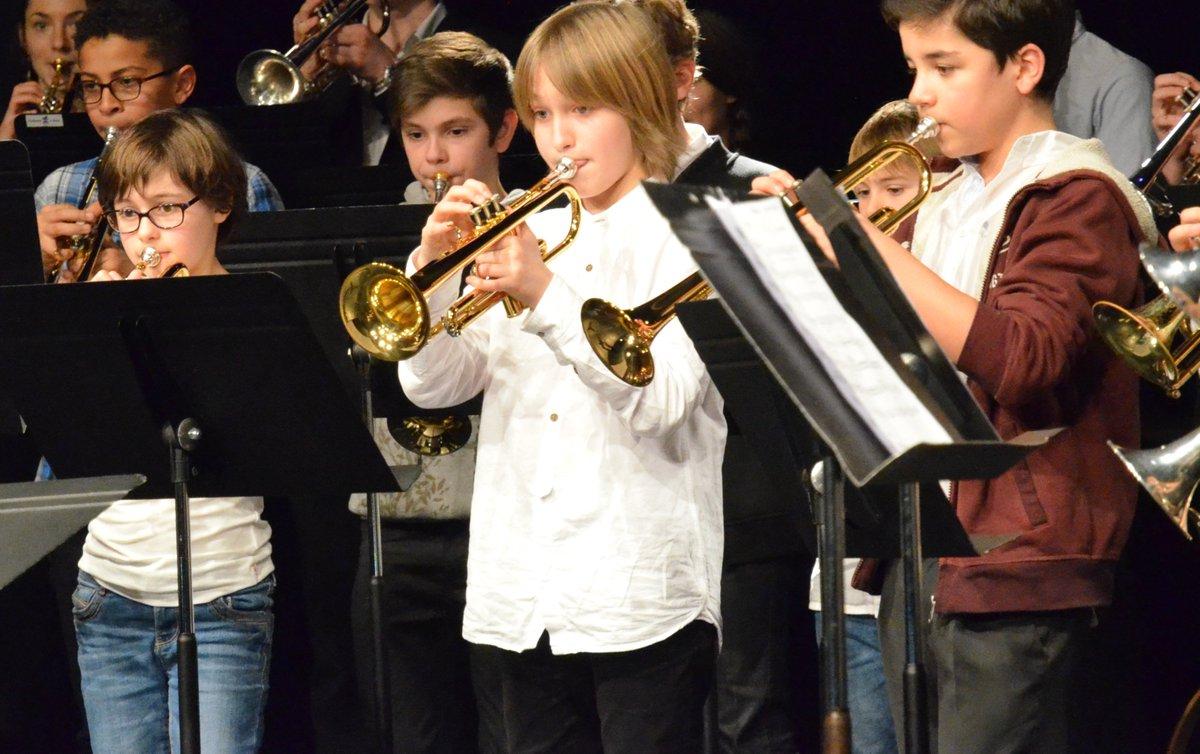 Du 26 au 28/01, 2e #Concours national de #trompettes à #Lormont ouvert aux 7/18 ans. Inscriptions jusqu'au 22/12. + d'infos : 0557770740 https://t.co/26FMuEHTY2