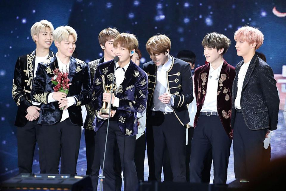 Boy band BTS is now just the second K-Pop act to hit the Hot 100 with a Korean song https://t.co/VoMjVwRMVy