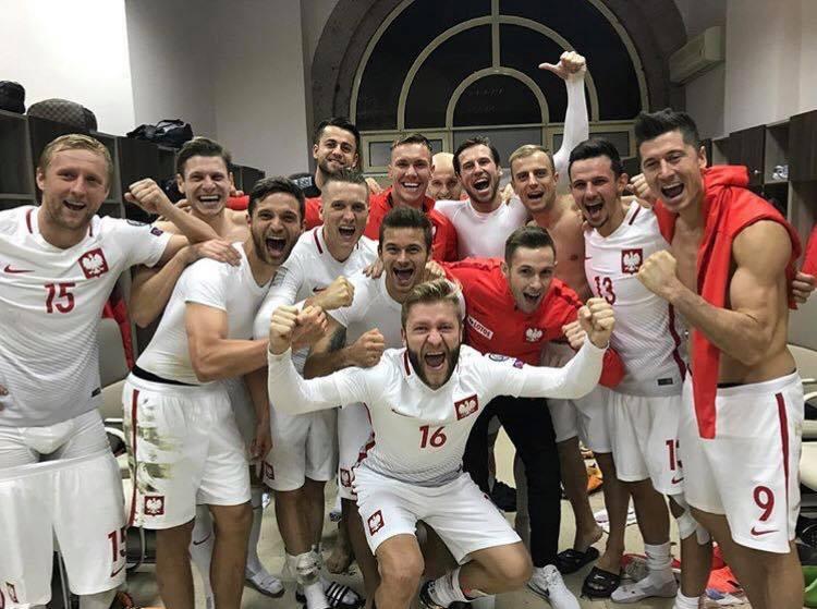 Polska!🇵🇱🇵🇱🇵🇱 @EuroQualifiers @LaczyNasPilka https://t.co/bNtHMlM1FK