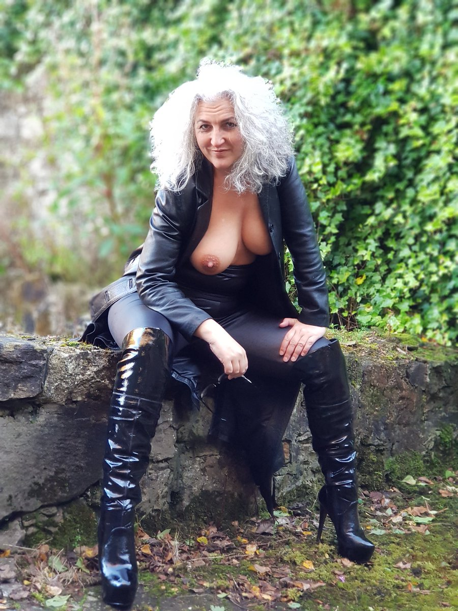Showing Porn Images For Milf In Boots Bbc Porn  Wwwhandy-Pornnet-8607