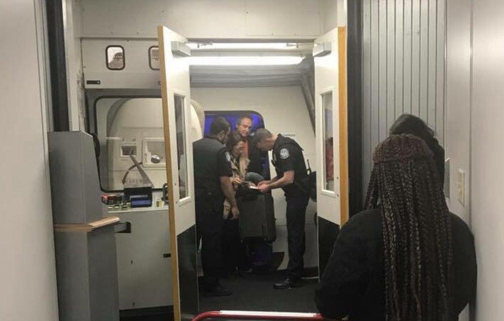 ACLU sues Homeland Security, Customs for forcing ID check on domestic flight passengers https://t.co/Xfz7u3eBLq https://t.co/tGGB5G9e0X