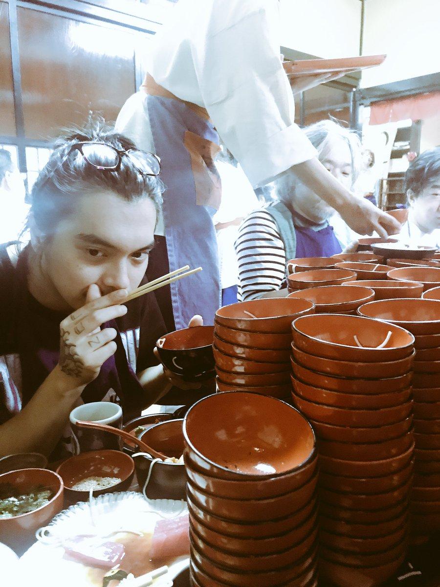 盛岡で人生初の「わんこそば」してきた!普段朝飯くわないけど、がんばって80杯食べました。 蕎麦アレル…