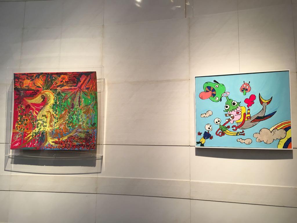 青山スパイラルホールなう。慎吾の作品は階段を上がって右奥に2点飾られてます。昼間は空いてますよ〜写真…