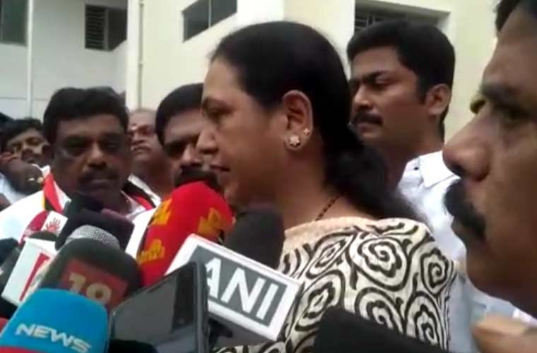 Premalatha lambasts govt for failure to tackle dengue spread  https:// goo.gl/Me2c8t  &nbsp;   #Coimbatore #CovaiPost #Dengue #TNGovt #Premalatha<br>http://pic.twitter.com/Ig4QqasmLU