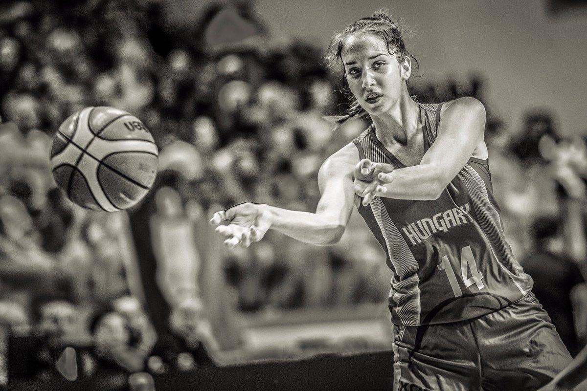 .@Oaklandsball just picked up top prospect Aliz Varga! She was terrific for  #FIBAU16Europe  http:// bit.ly/2y52d5T     #BritishBasketballpic.twitter.com/vhKWAsqupD