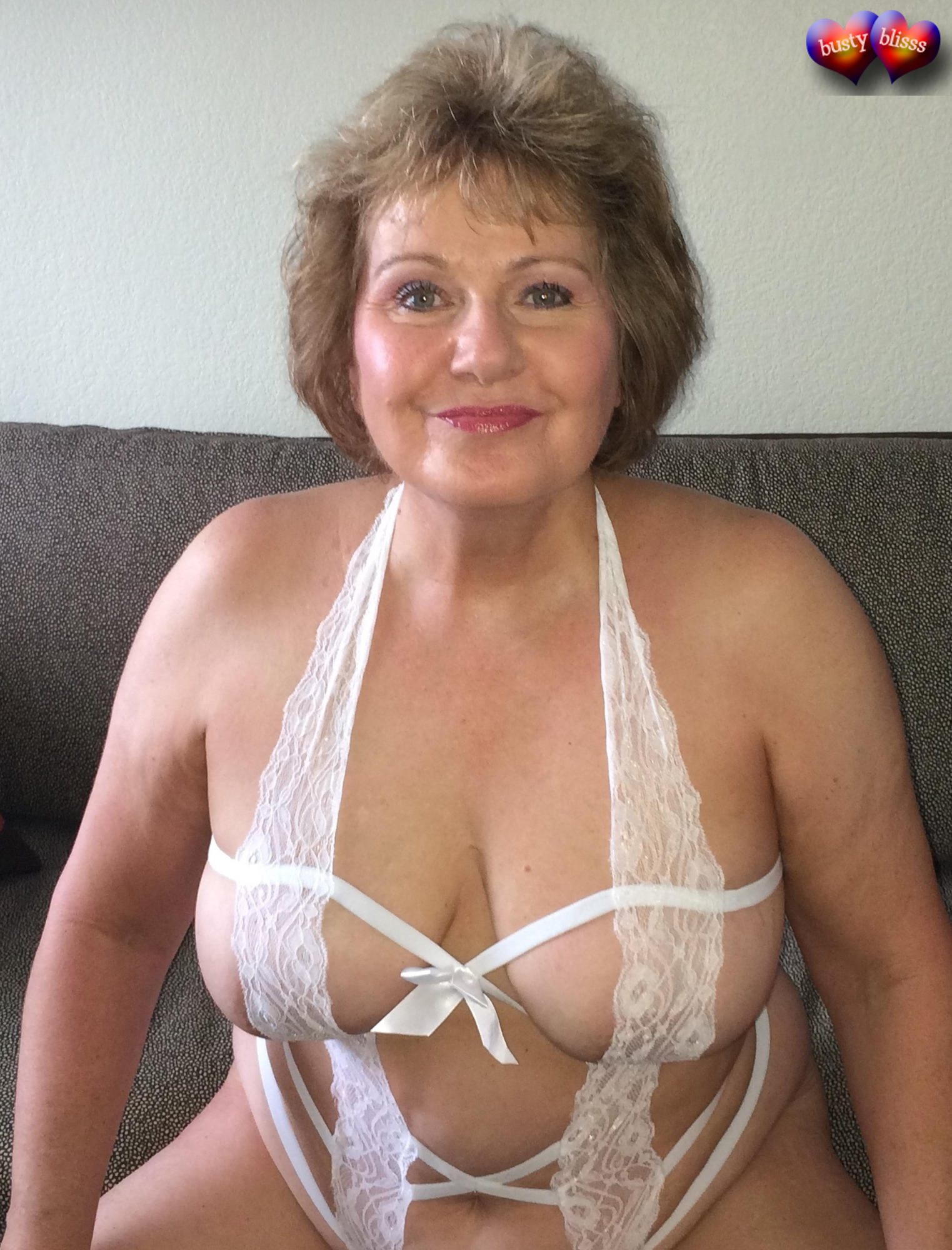 Sexy old mothers and wifes with hot bodies 1