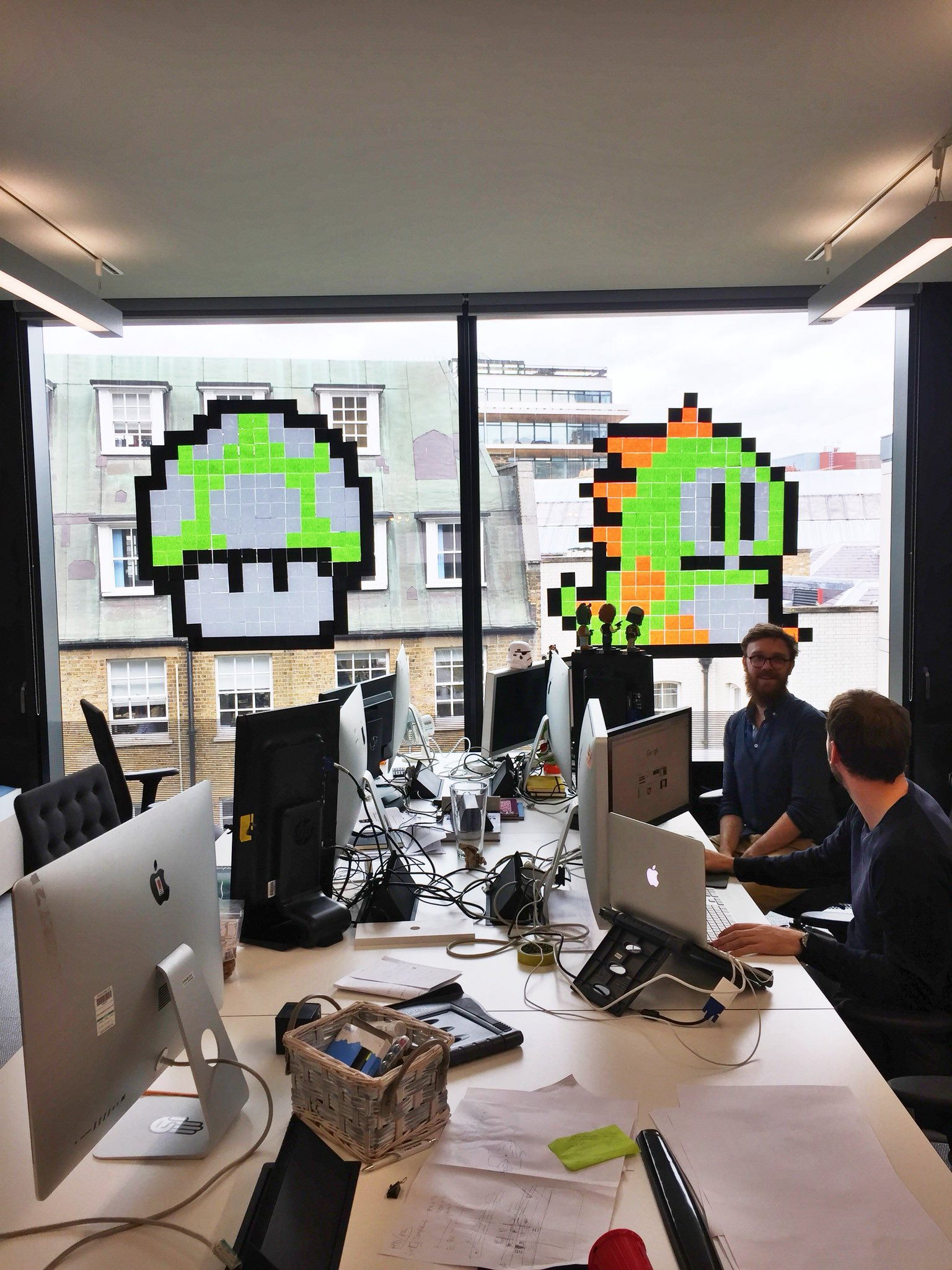 Our studio department show us the power of the post-it! #friyay https://t.co/jqhjKGVDl7