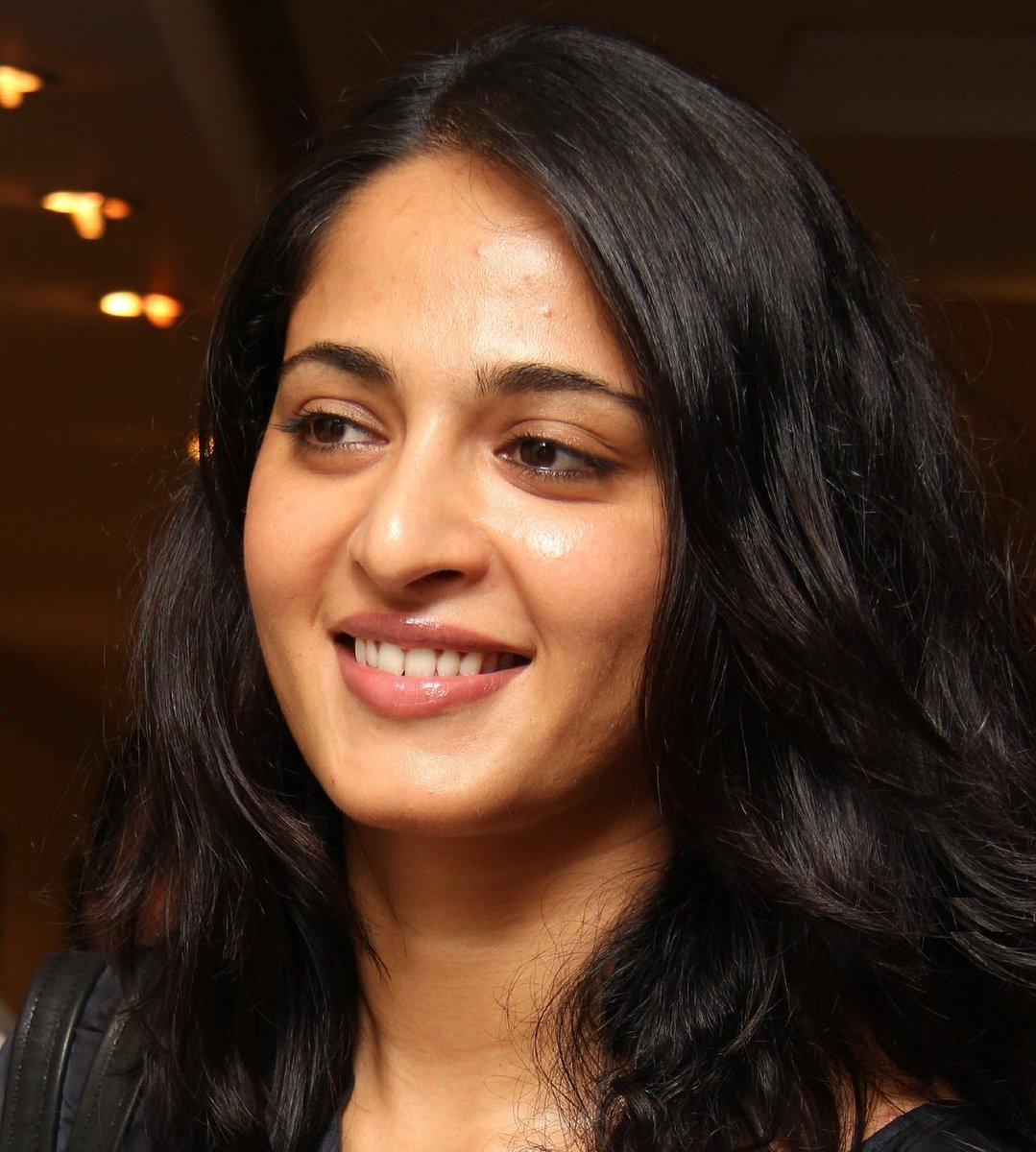 Anushka Shetty (@sweetyanushkafc)