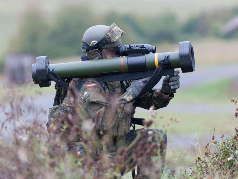 القوات الخاصة الألمانية تتسلم قاذف الإستخدام الشامل RGW-90 DLfsySkVAAE-MMN