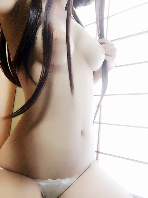 グラビアアイドル夕莉つかさのTwitter自撮りエロ画像32