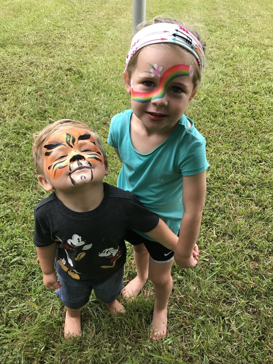 Cutest 5kers! Thanks, Emerson &amp; Cohen for coming to our 5K! #FutureStudents  <br>http://pic.twitter.com/kR1wWgN4z0