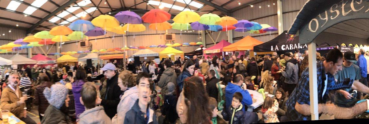 Magnificent vibes, tunage, beers, smells, flavours + folks at #StrandhillFoodFest @GoStrandhill <br>http://pic.twitter.com/5d7v9hzAvT