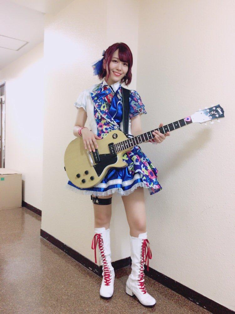 最高の夜をありがとうございました!「I Want」「キラメキラリ」でギターを弾かせて頂きました!詳しくはブログに書きます!本当に本当にありがとうございました!!!!!!!!! https://t.co/xt3xFNxghR