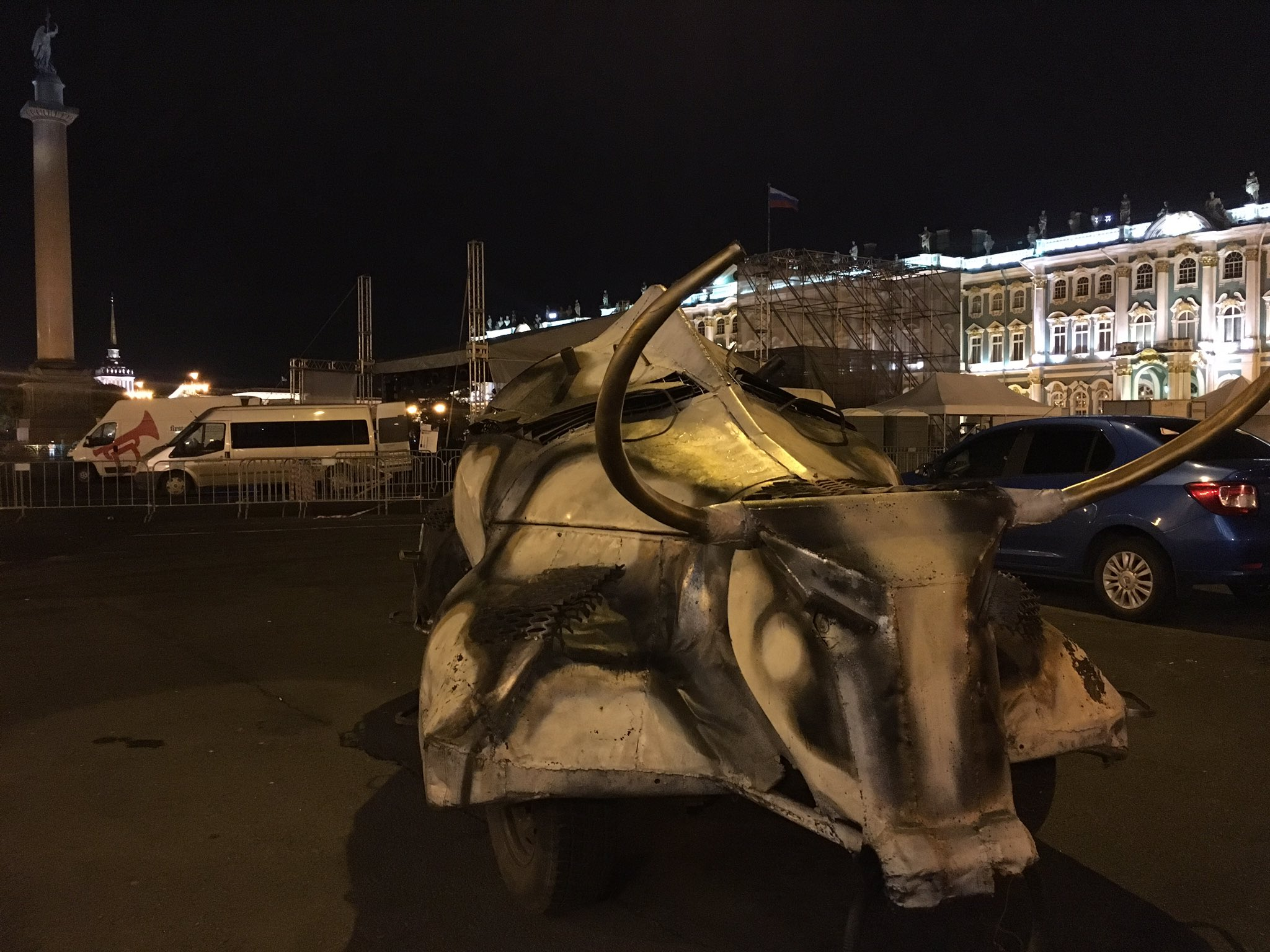 Meanwhile, on Palace Square in St Petersburg right now... https://t.co/VPi8kCjRwk