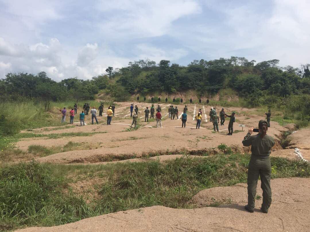 Noticias de la Milicia Bolivariana - Página 2 DLkbNSDWsAErw36