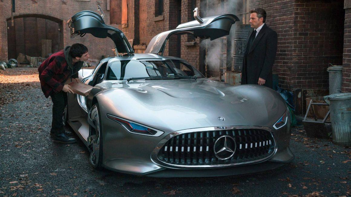 Batman dirigirá um Mercedes AMG Vision GT no filme da Liga da Justiça https://t.co/d2PqyTFr2U