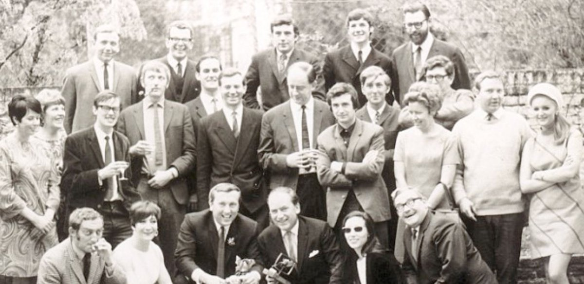 before #montypython some stars of #britishcomedy - #thefrostreport -  #GrahamChapman, #JohnCleese, #TerryJones, #MichaelPalin, #EricIdle,<br>http://pic.twitter.com/KI2SkEJetI