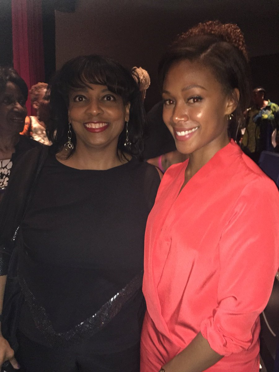 Had such a lovely  evening at the @reelsisters awards event! Soooo thrilled to meet @NikkiBeharie and see her being honored!!